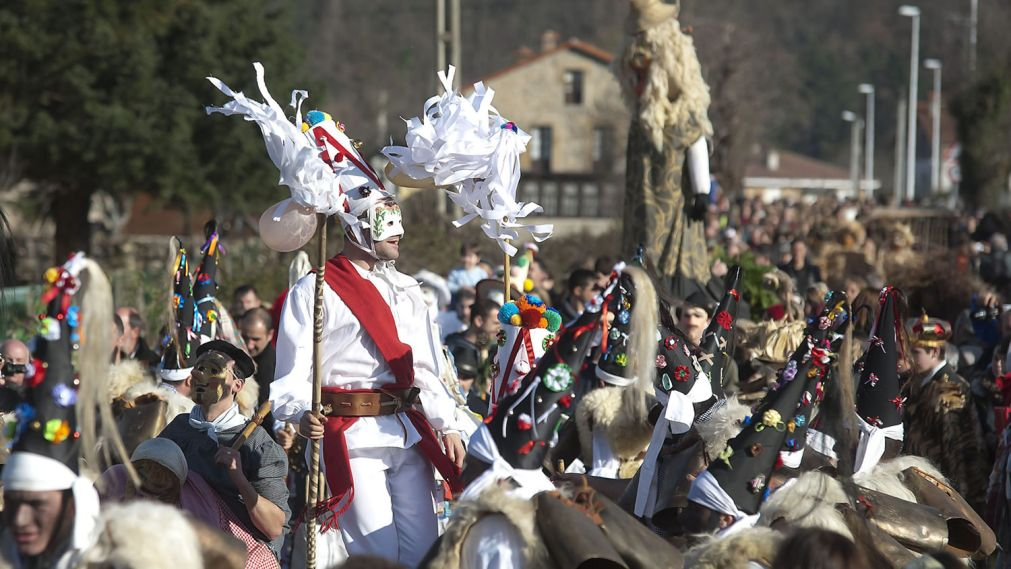 ФЕСТИВАЛЬ ВИХАНЕРА В ИСПАНИИ http://travelcalendar.ru/wp-content/uploads/2015/03/FESTIVAL-VIHANERA-V-ISPANII_glav2.jpg
