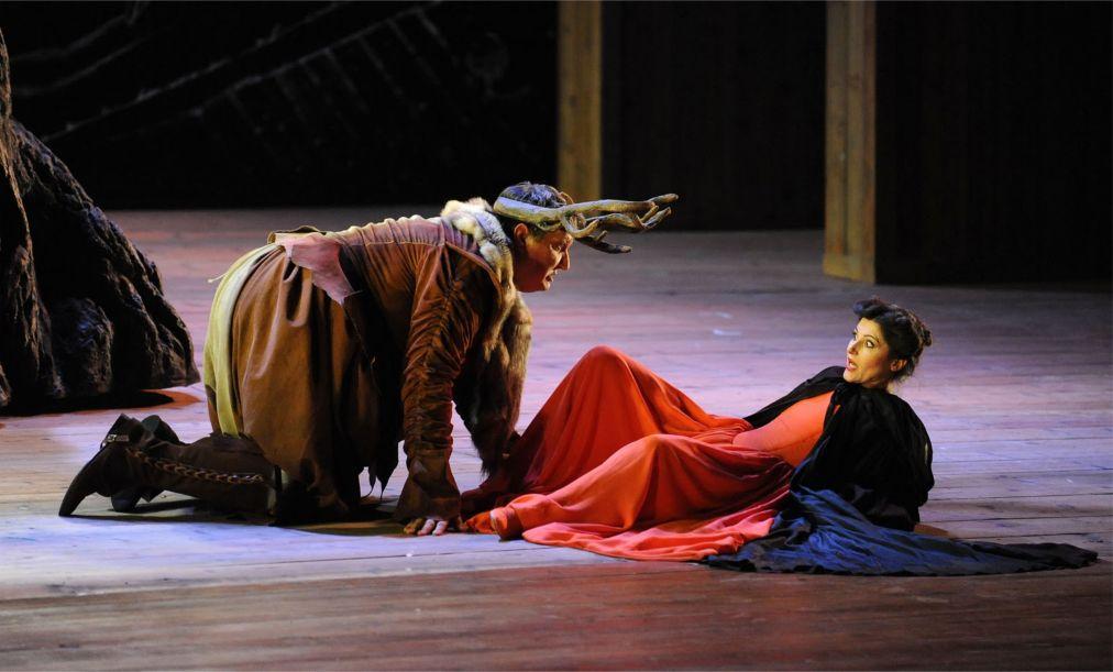 Фестиваль Верди в Парме http://travelcalendar.ru/wp-content/uploads/2015/03/Festival-Verdi-v-Parme_glav3.jpg