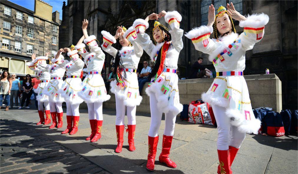 Фестиваль искусств «Фриндж» в Эдинбурге http://travelcalendar.ru/wp-content/uploads/2015/03/Festival-iskusstv-Frindzh-v-Edinburge_glav5.jpg
