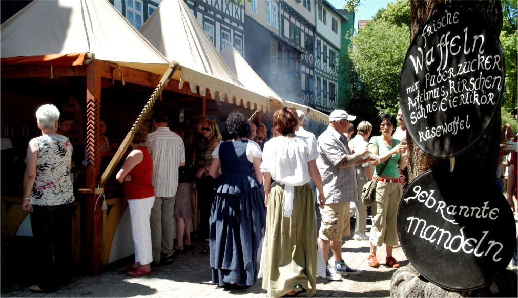 Фествиаль «Кремербрюке» в Эрфурте http://travelcalendar.ru/wp-content/uploads/2015/03/Festvial-Kremerbryuke-v-Erfurte_glav1.jpg