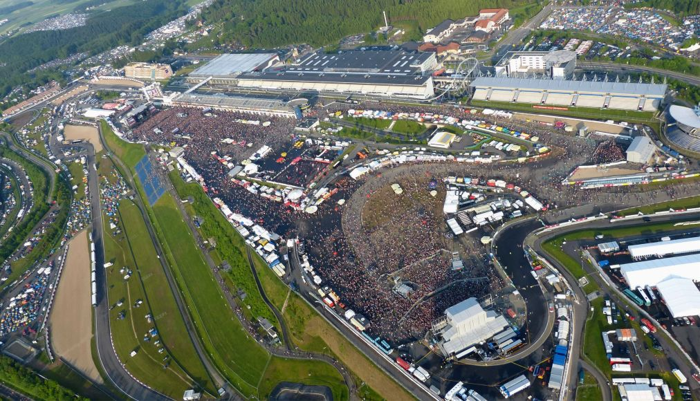 Музыкальный фестиваль «Rock am Ring» в Нюрбурге http://travelcalendar.ru/wp-content/uploads/2015/03/ROK-FESTIVAL-ROCK-AM-RING-V-NYURBURGE_glav8.jpg