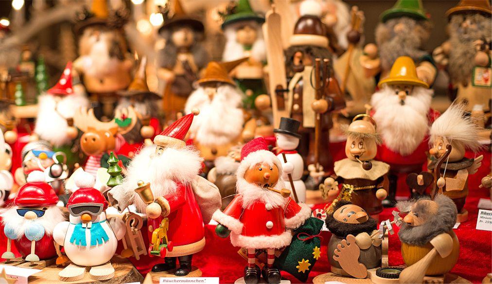 Рождественская ярмарка Weihnachtsmarkt во Франкфурте http://travelcalendar.ru/wp-content/uploads/2015/03/ROZHDESTVENSKAYA-YARMARKA-VO-FRANKFURTE_glav3.jpg