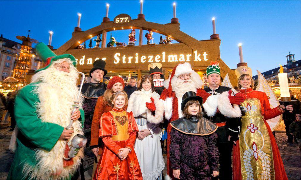 Рождественская ярмарка «Штрицельмаркт» в Дрездене http://travelcalendar.ru/wp-content/uploads/2015/03/Rozhdestvenskaya-yarmarka-SHtritselmarkt-v-Drezdene_glav3.jpg