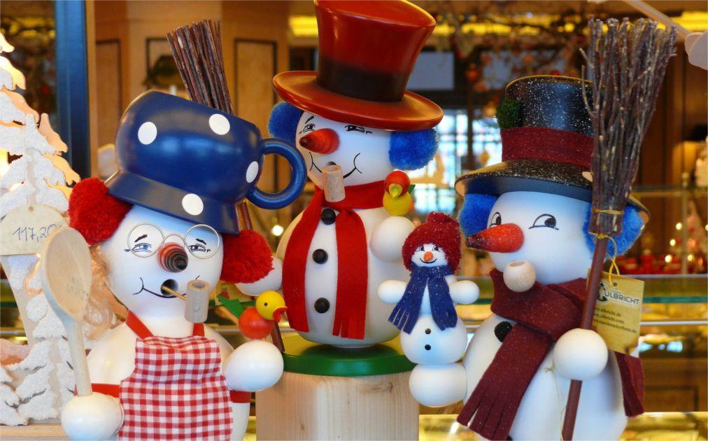Рождественская ярмарка «Штрицельмаркт» в Дрездене http://travelcalendar.ru/wp-content/uploads/2015/03/Rozhdestvenskaya-yarmarka-SHtritselmarkt-v-Drezdene_glav6.jpg