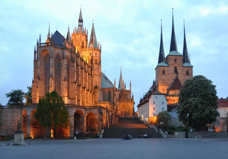 Фествиаль «Кремербрюке» в Эрфурте http://travelcalendar.ru/wp-content/uploads/2015/03/erfurt_big.jpg