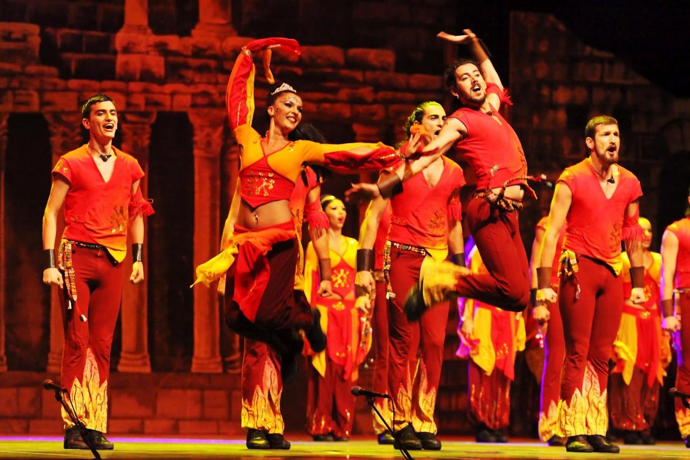 Танцевальное шоу «Огни Анатолии» в Турции http://travelcalendar.ru/wp-content/uploads/2015/05/r430.jpg