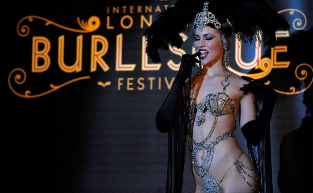 ФЕСТИВАЛЬ БУРЛЕСКА В ЛОНДОНЕ http://travelcalendar.ru/wp-content/uploads/2015/06/FESTIVAL-BURLESKA-V-LONDONE_glav1-1.jpg