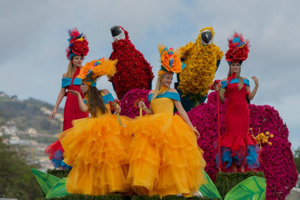 ФЕСТИВАЛЬ ЦВЕТОВ НА МАДЕЙРЕ http://travelcalendar.ru/wp-content/uploads/2015/06/FESTIVAL-TSVETOV-NA-MADEJRE4.jpg