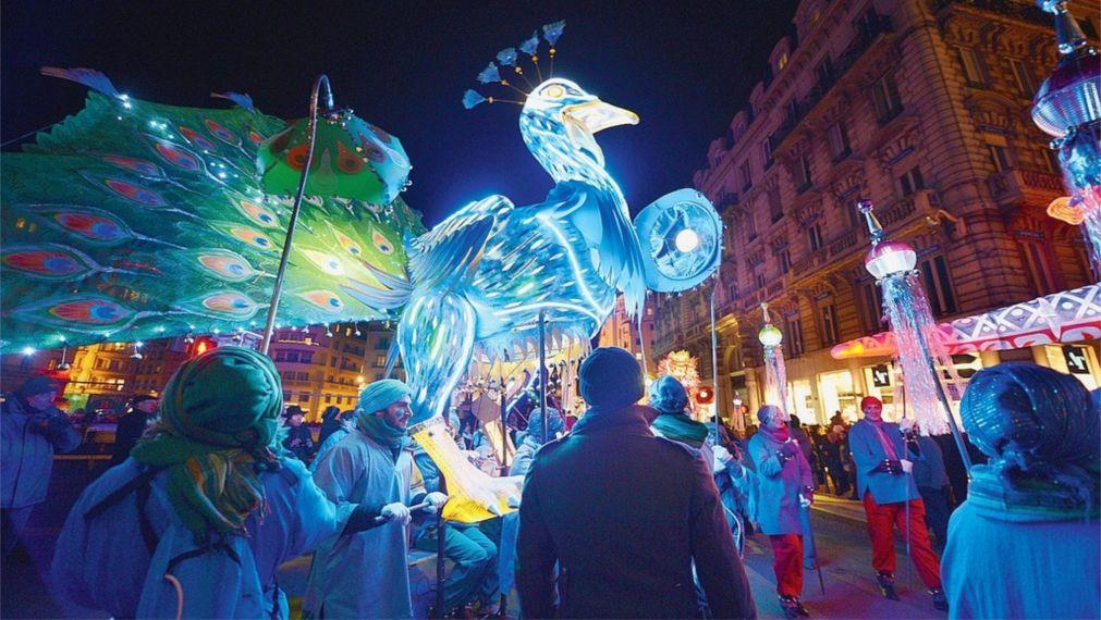 Фестиваль огней в Лионе http://travelcalendar.ru/wp-content/uploads/2015/06/Festival-ognej-v-Lione_glav3.jpg