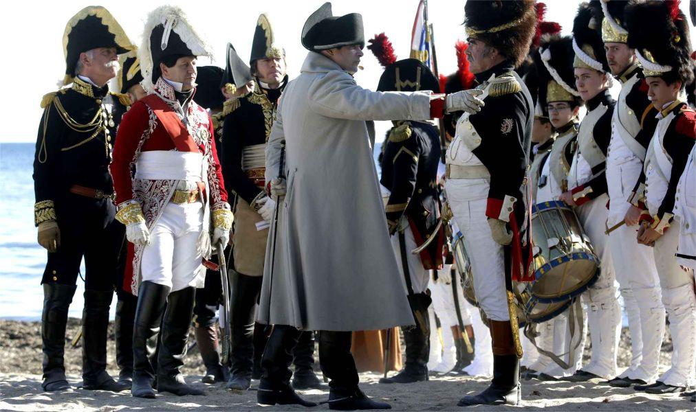 Годовщина высадки Наполеона на пляже Гольф-Жюан http://travelcalendar.ru/wp-content/uploads/2015/06/GODOVSHHINA-VYSADKI-NAPOLEONA-NA-PLYAZHE-GOLF-ZHYUAN_glav2.jpg
