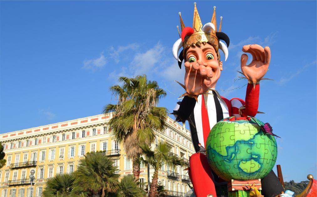 Карнавал в Ницце http://travelcalendar.ru/wp-content/uploads/2015/06/KARNAVAL-V-NITSTSE_glav3.jpg