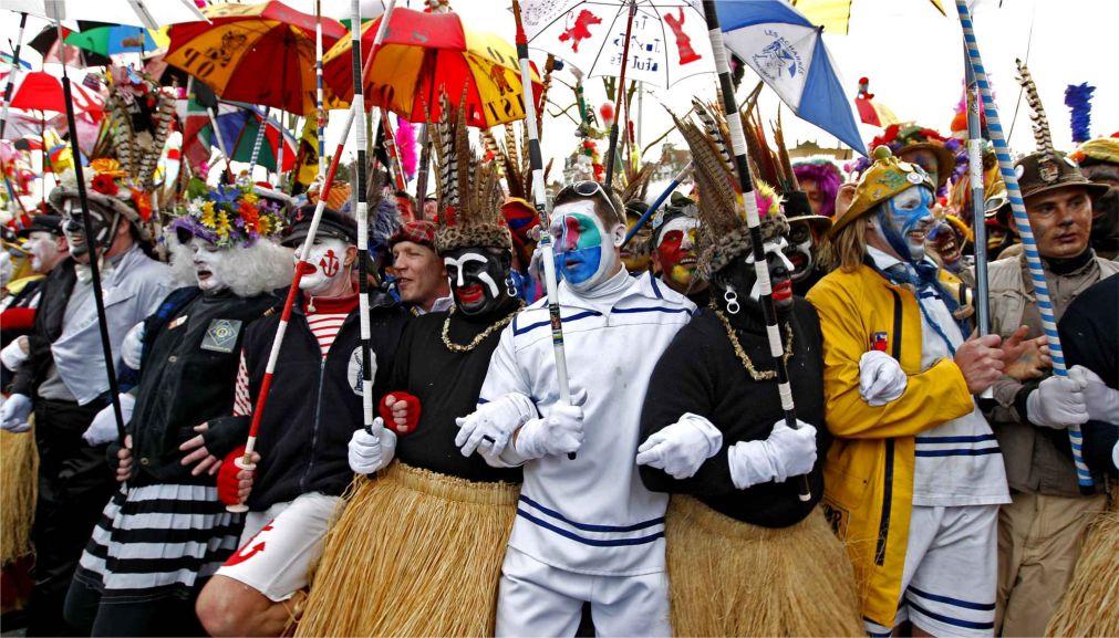 Карнавал в Дюнкерке http://travelcalendar.ru/wp-content/uploads/2015/06/Karnaval-v-Dyunkerke_glav2.jpg