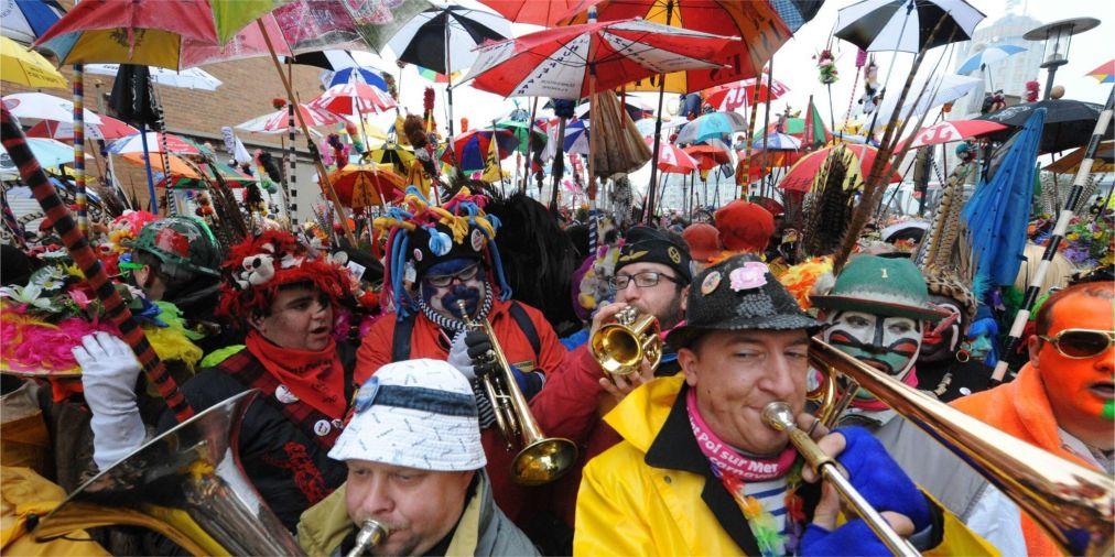 Карнавал в Дюнкерке http://travelcalendar.ru/wp-content/uploads/2015/06/Karnaval-v-Dyunkerke_glav3.jpg