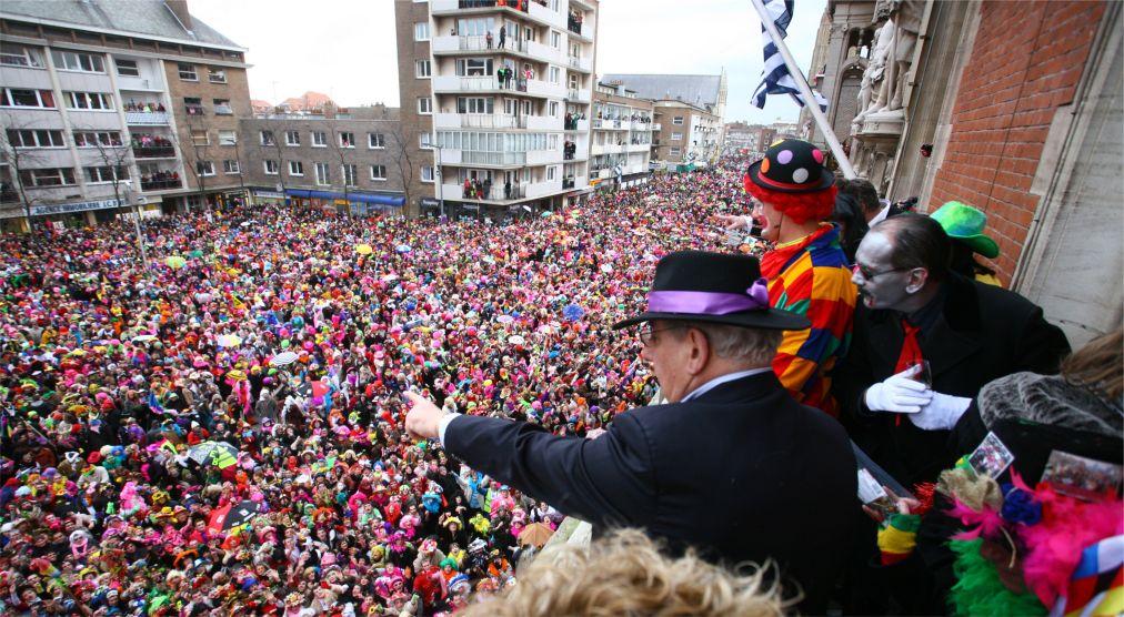 Карнавал в Дюнкерке http://travelcalendar.ru/wp-content/uploads/2015/06/Karnaval-v-Dyunkerke_glav5.jpg