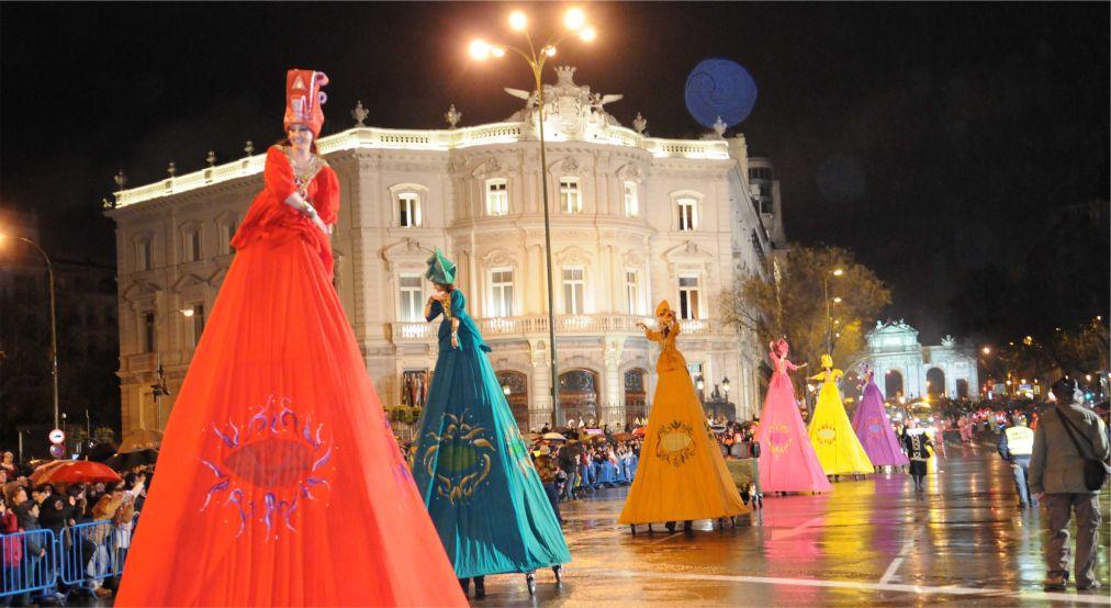Карнавал в Мадриде http://travelcalendar.ru/wp-content/uploads/2015/06/Karnaval-v-Madride_glav2.jpg