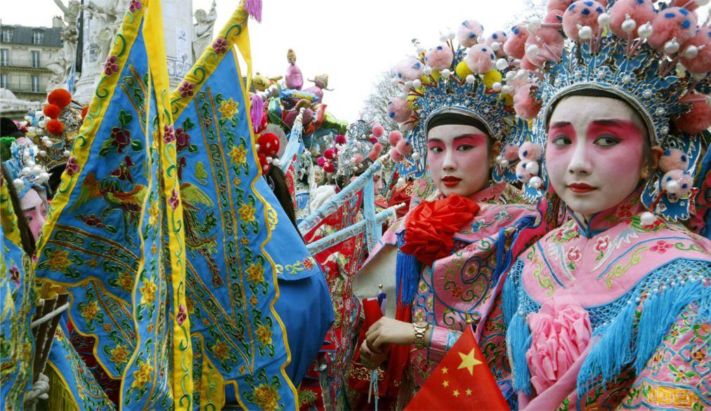 Китайский Новый год в Париже http://travelcalendar.ru/wp-content/uploads/2015/06/Kitajskij-Novyj-god-v-Parizhe_glav1.jpg