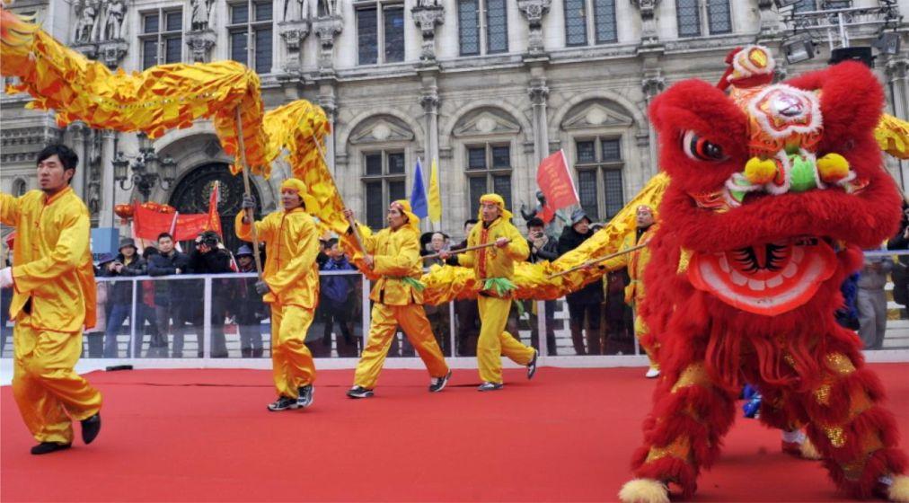 Китайский Новый год в Париже http://travelcalendar.ru/wp-content/uploads/2015/06/Kitajskij-Novyj-god-v-Parizhe_glav2.jpg