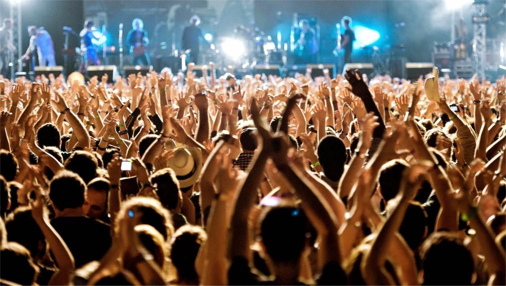 МУЗЫКАЛЬНЫЙ ФЕСТИВАЛЬ PRIMAVERA SOUND В БАРСЕЛОНЕ http://travelcalendar.ru/wp-content/uploads/2015/06/MUZYKALNYJ-FESTIVAL-PRIMAVERA-SOUND-V-BARSELONE_glavn1.jpg