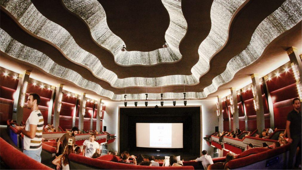 Международный кинофестиваль в Афинах http://travelcalendar.ru/wp-content/uploads/2015/06/Mezhdunarodnyj-kinofestival-v-Afinah_glav1.jpg