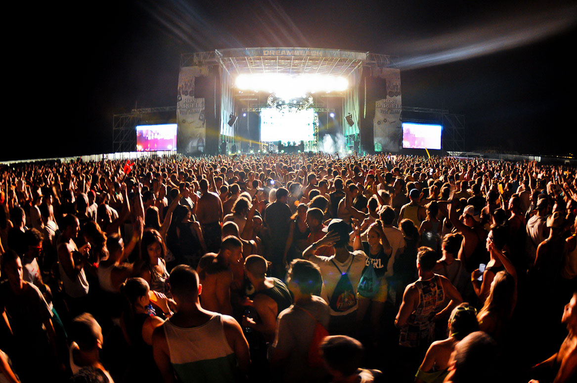 Музыкальный фестиваль Dreambeach в Альмерии http://travelcalendar.ru/wp-content/uploads/2015/06/Muzykalnyj-festival-Dreambeach-v-Almerii.jpg