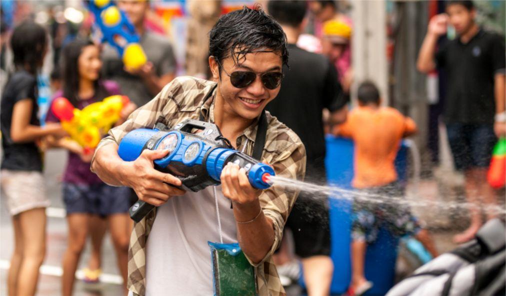 Тайский новый год - Сонгкран http://travelcalendar.ru/wp-content/uploads/2015/06/Tajskij-novyj-god-Songkran_glav4.jpg