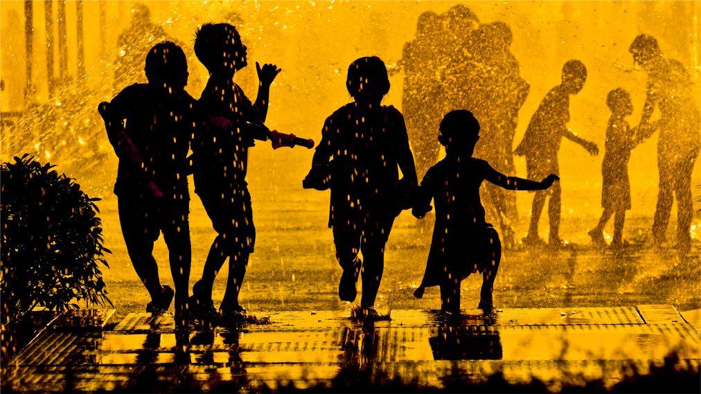 Тайский новый год - Сонгкран http://travelcalendar.ru/wp-content/uploads/2015/06/Tajskij-novyj-god-Songkran_glav5.jpg