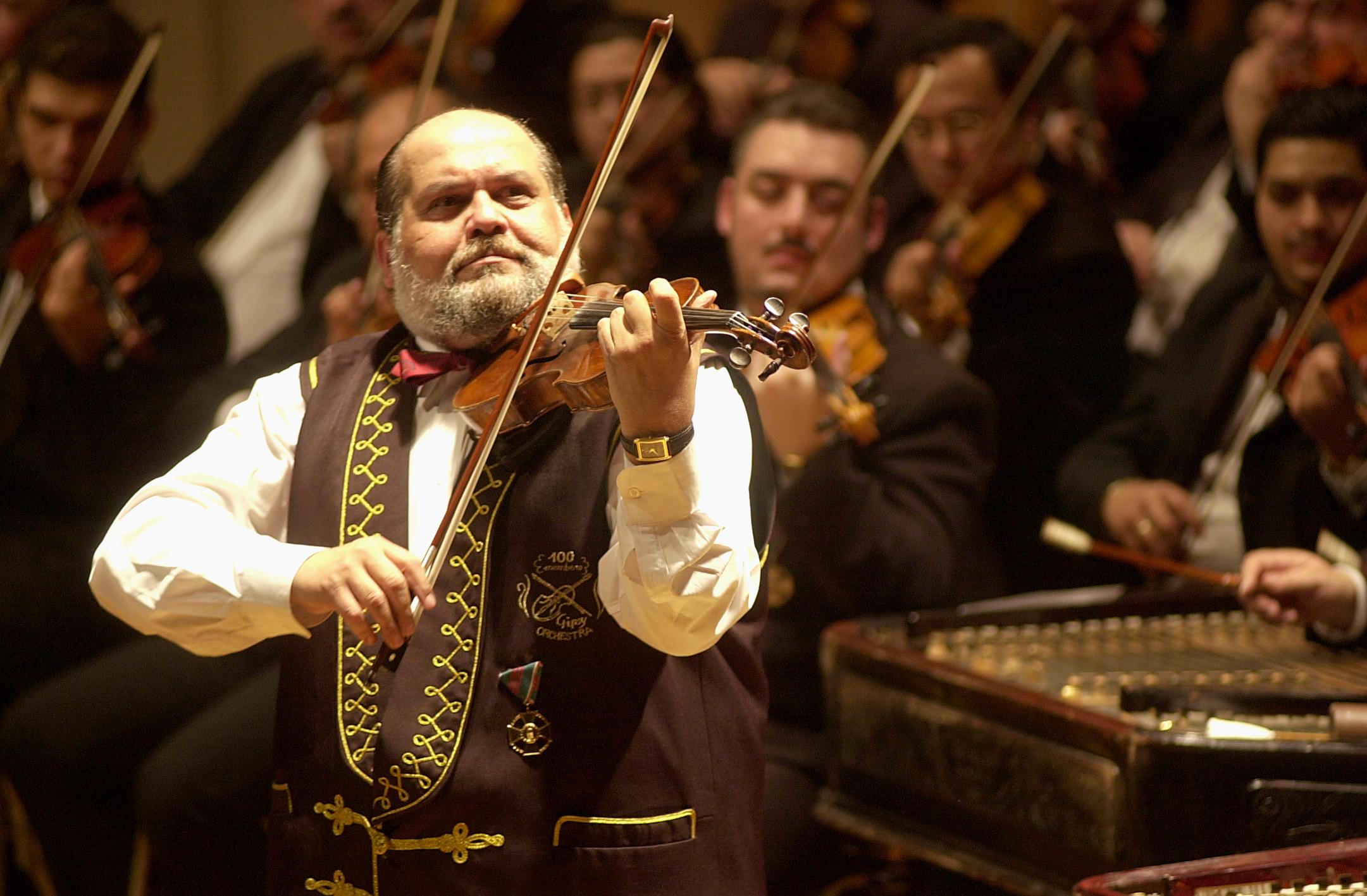 Осенний салон искусств в Пловдиве http://travelcalendar.ru/wp-content/uploads/2015/07/100-Gypsy-Violins-Brussels...pher-Alain-Dereymaeker.jpg