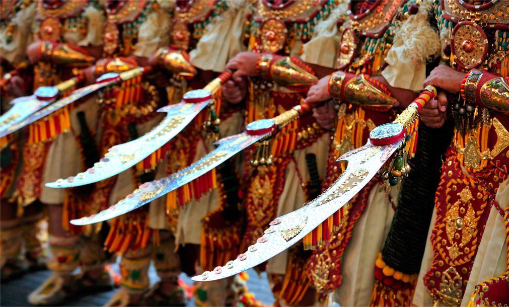 Фестиваль «Мавры и Христиане» в Онтиньенте http://travelcalendar.ru/wp-content/uploads/2015/07/Festival-Mavry-i-Hristiane-v-Ontinente_glav5.jpg