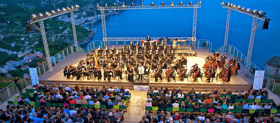 Фестиваль классической музыки в Равелло http://travelcalendar.ru/wp-content/uploads/2015/07/Festival-klassicheskoj-muzyki-v-Ravello1.jpg