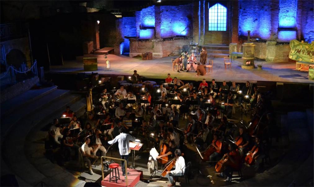 Фестиваль оперы и балета «Помпеи» в Неаполе http://travelcalendar.ru/wp-content/uploads/2015/07/Festival-opery-i-baleta-Pompei-v-Neapole_glav2.jpg