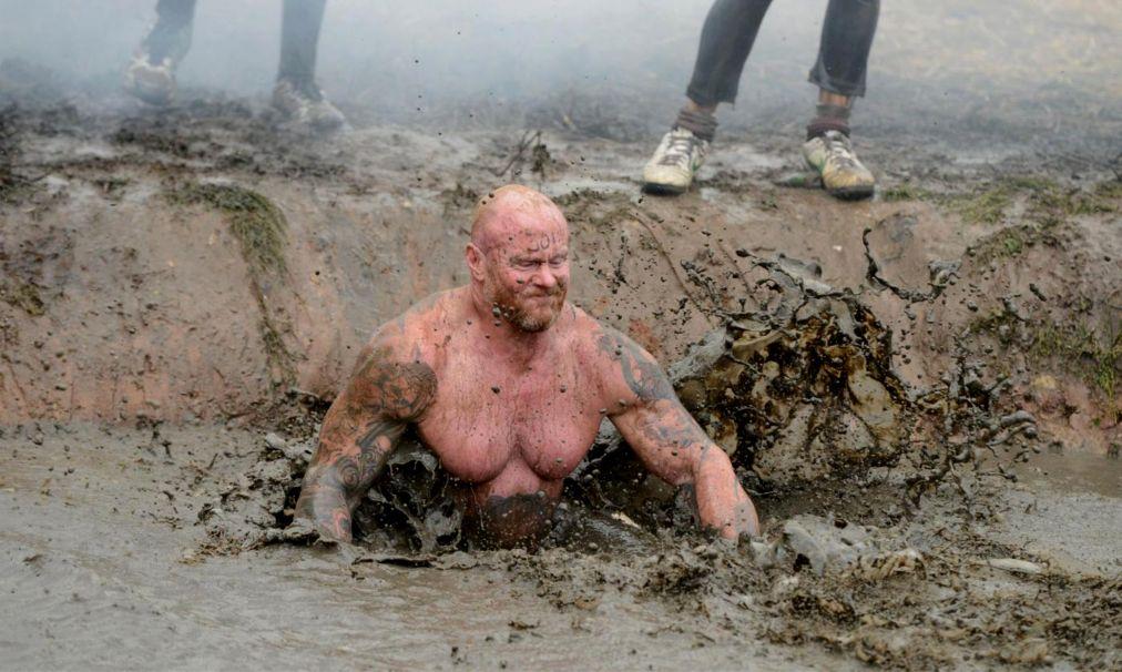 Гонки на выживание Tough Guy Challenge в Стаффордшире http://travelcalendar.ru/wp-content/uploads/2015/07/Gonki-na-vyzhivanie-Tough-Guy-Challenge-v-Staffordshire_glav2.jpg