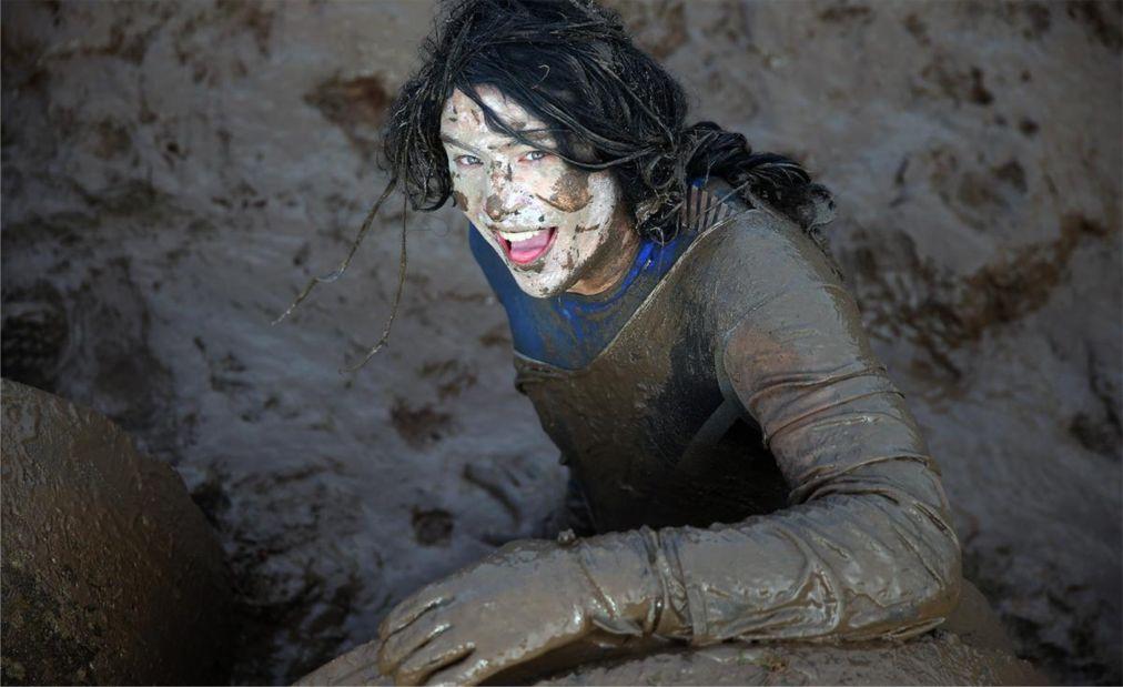 Гонки на выживание Tough Guy Challenge в Стаффордшире http://travelcalendar.ru/wp-content/uploads/2015/07/Gonki-na-vyzhivanie-Tough-Guy-Challenge-v-Staffordshire_glav4.jpg