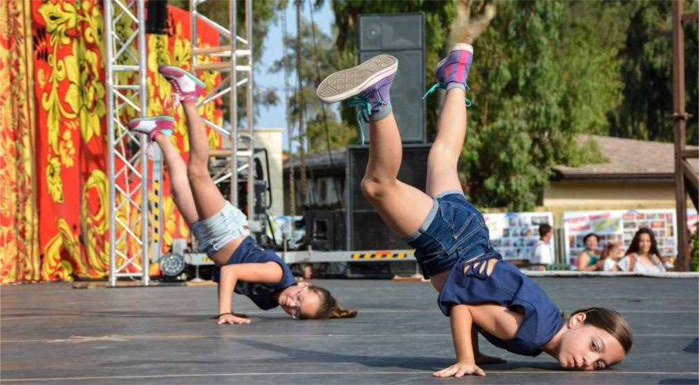 Кипрско-российский фестиваль в Лимассоле http://travelcalendar.ru/wp-content/uploads/2015/07/Kiprsko-rossijskij-festival-v-Limassole_glav2.jpg
