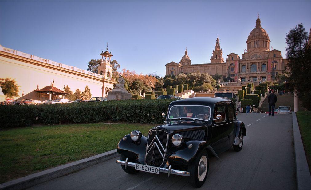 Международная выставка ретроавтомобилей в Барселоне http://travelcalendar.ru/wp-content/uploads/2015/07/Mezhdunarodnaya-vystavka-retro-avtomobilej-Auto-Retro-v-Barselone_glav2.jpg