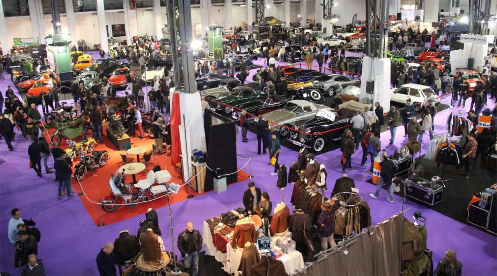 Международная выставка ретроавтомобилей в Барселоне http://travelcalendar.ru/wp-content/uploads/2015/07/Mezhdunarodnaya-vystavka-retro-avtomobilej-Auto-Retro-v-Barselone_glav3.jpg