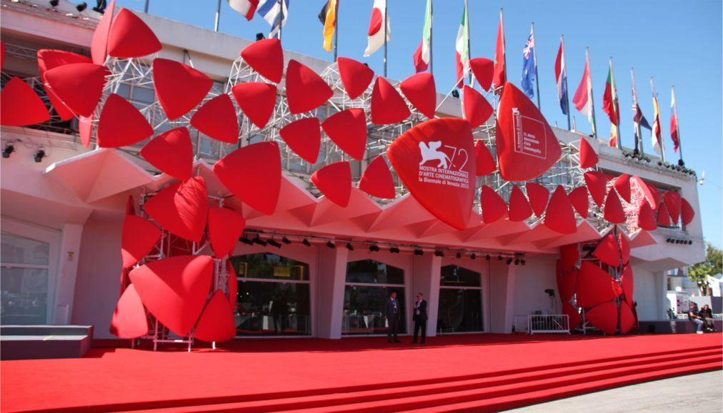 Международный Венецианский кинофестиваль http://travelcalendar.ru/wp-content/uploads/2015/07/Mezhdunarodnyj-Venetsianskij-kinofestival_glav1.jpg