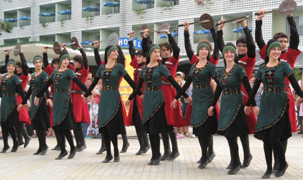 Международный фольклорный фестиваль в Варне http://travelcalendar.ru/wp-content/uploads/2015/07/Mezhdunarodnyj-folklornyj-festival-v-Varne_glav4.jpg