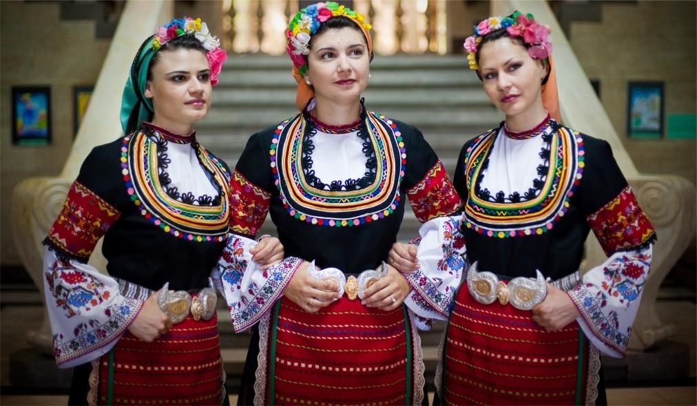 Международный фольклорный фестиваль в Варне http://travelcalendar.ru/wp-content/uploads/2015/07/Mezhdunarodnyj-folklornyj-festival-v-Varne_glav5.jpg