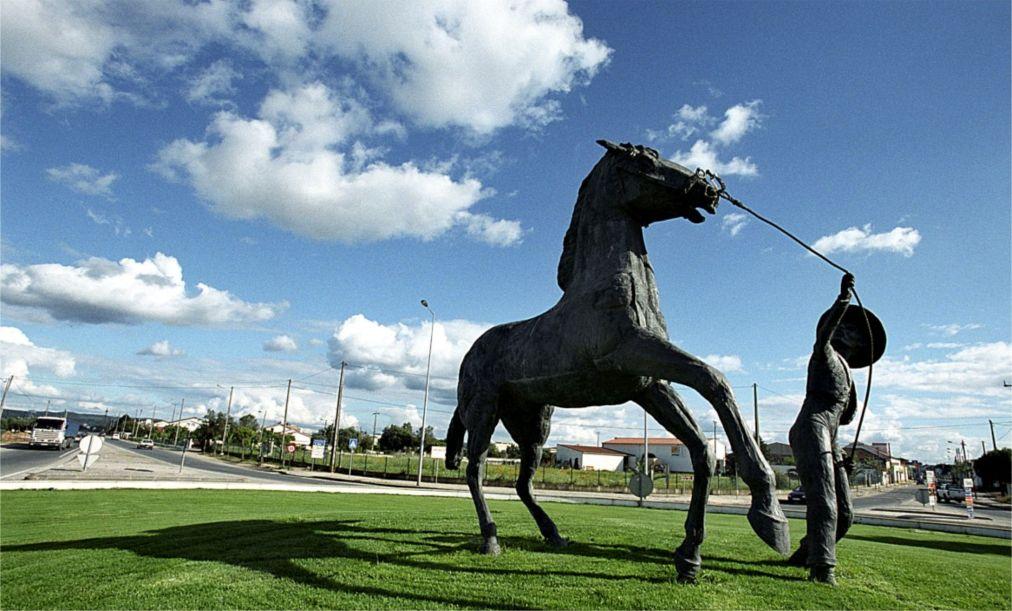 Национальная конная ярмарка в Голегане http://travelcalendar.ru/wp-content/uploads/2015/07/Natsionalnaya-konnaya-yarmarka-v-Golegane_glav2.jpg