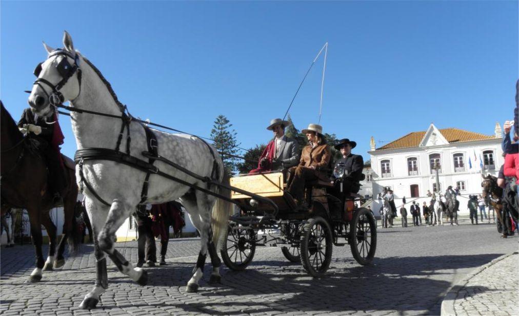 Национальная конная ярмарка в Голегане http://travelcalendar.ru/wp-content/uploads/2015/07/Natsionalnaya-konnaya-yarmarka-v-Golegane_glav5.jpg