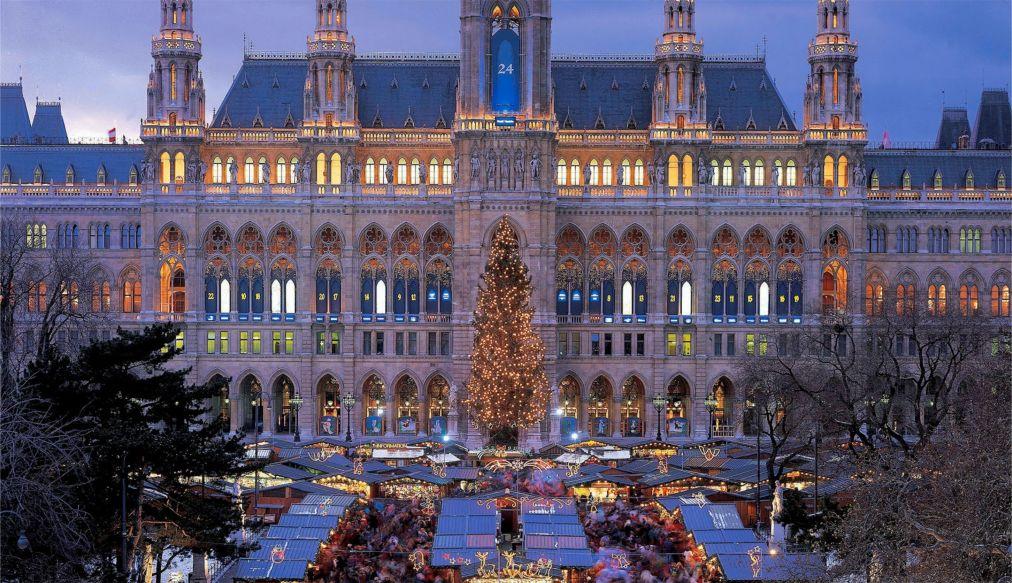 Рождественский рынок «Венские рождественские мечты» в Вене http://travelcalendar.ru/wp-content/uploads/2015/07/ROZHDENSTVENSKIJ-RYNOK-SHPITTELBERG-V-VENE_glav1.jpg