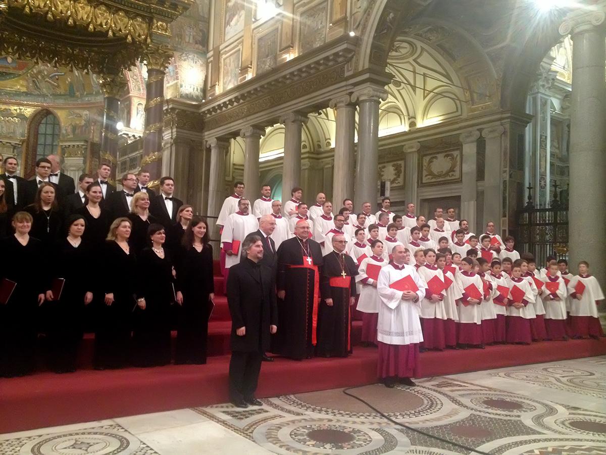 Международный фестиваль духовной музыки и искусства в Ватикане http://travelcalendar.ru/wp-content/uploads/2015/07/Two-choirs.jpg