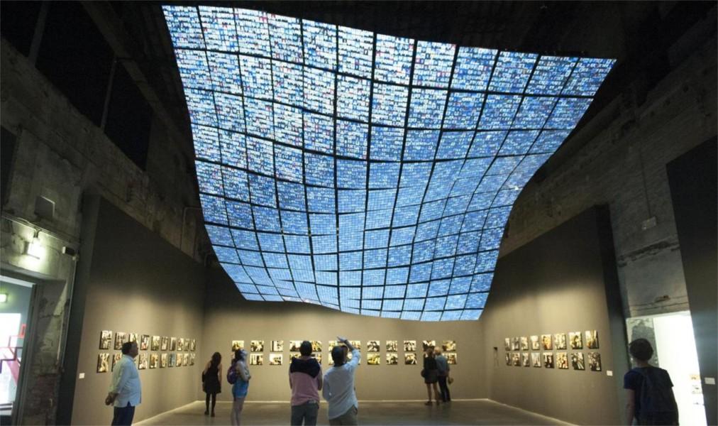 Венецианская биеннале http://travelcalendar.ru/wp-content/uploads/2015/07/Venetsianskaya-biennale_glav6.jpg