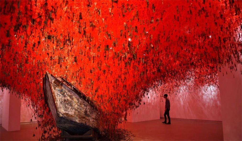 Венецианская биеннале http://travelcalendar.ru/wp-content/uploads/2015/07/Venetsianskaya-biennale_glav8.jpg