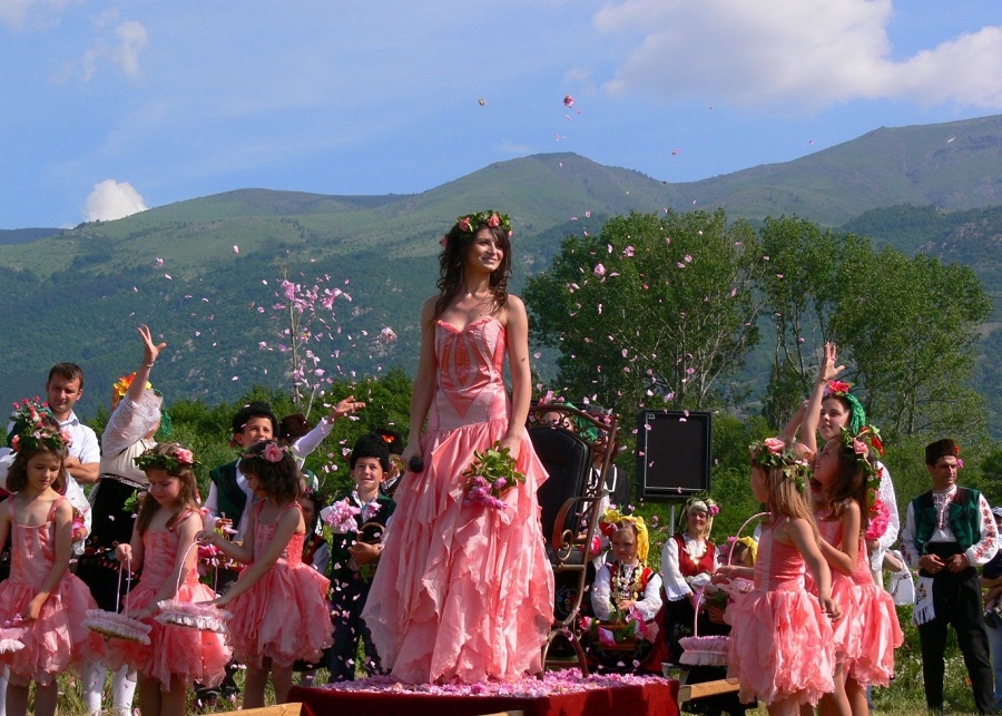Фестиваль розы в Казанлыке http://travelcalendar.ru/wp-content/uploads/2015/07/photo-1.jpg