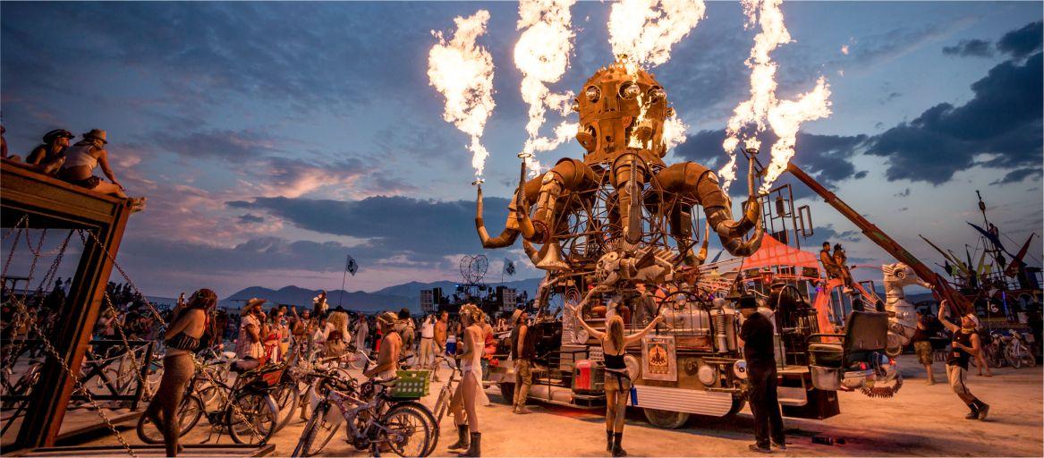 Картинки по запросу фото фестиваль Burning Man