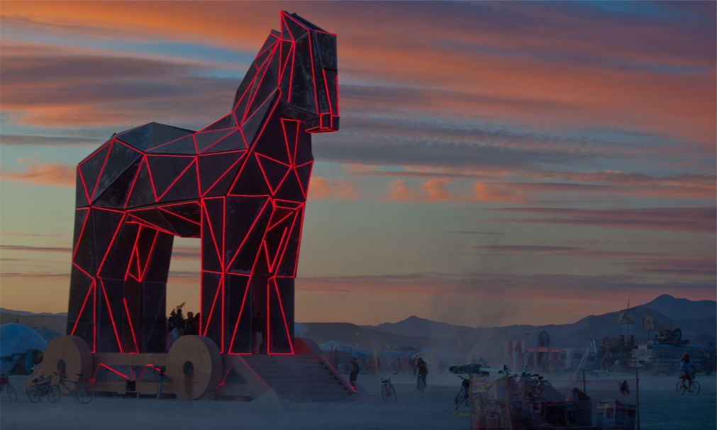 Фестиваль Burning Man в Неваде http://travelcalendar.ru/wp-content/uploads/2015/08/Festival-Burning-Man-v-Nevade_glav3.jpg