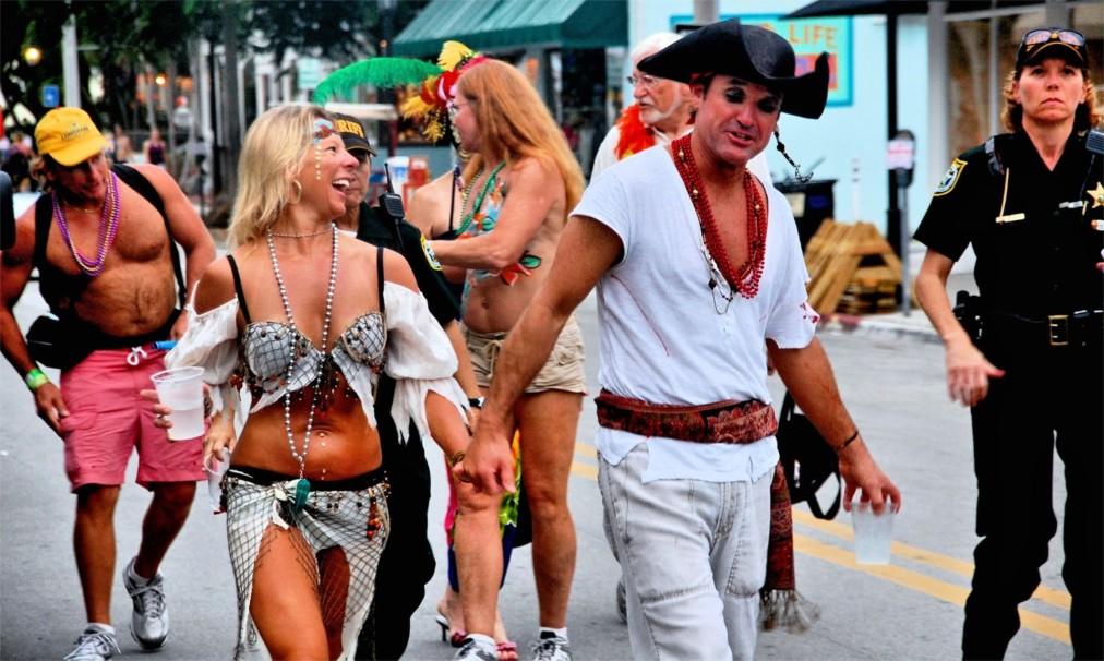 Фестиваль «Фэнтези Фест» в Ки-Уэст http://travelcalendar.ru/wp-content/uploads/2015/08/Festival-Fentezi-Fest-v-Ki-Uest_glav6.jpg