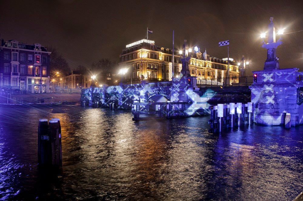 Фестиваль Света в Амстердаме http://travelcalendar.ru/wp-content/uploads/2015/08/Festival-Sveta-v-Amsterdame.jpg