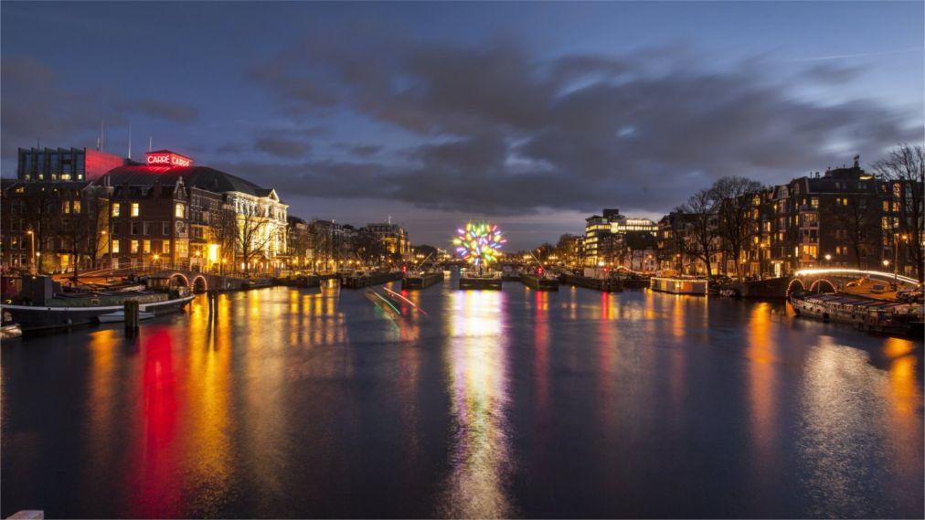 Фестиваль Света в Амстердаме http://travelcalendar.ru/wp-content/uploads/2015/08/Festival-Sveta-v-Amsterdame_glav1.jpg